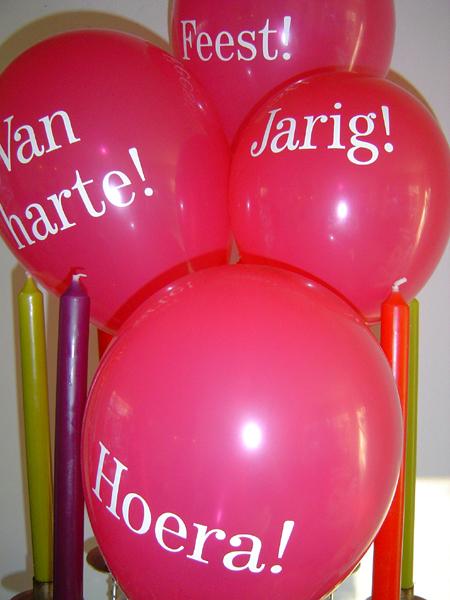 http://www.miwian.nl/images/jarig2007.jpg